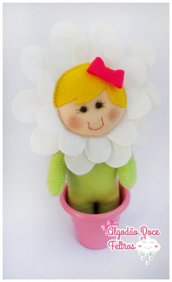 boneca flor em feltro