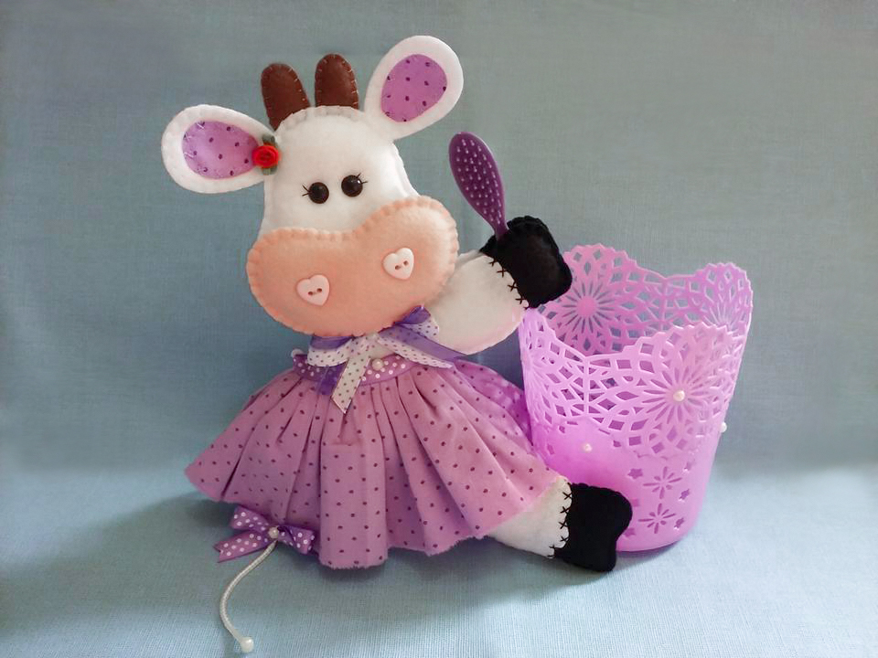 Vaquinha de feltro criativa Vaca de feltro