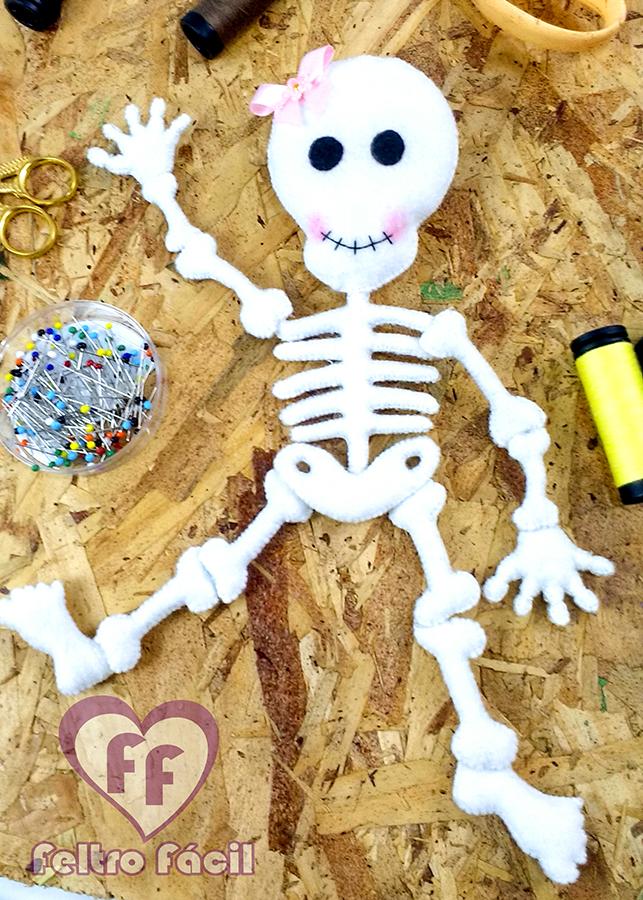 Esqueleto de feltro